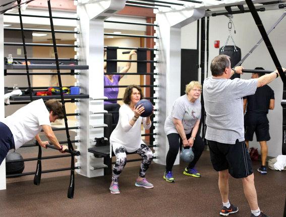Trening osób starszych, czyli jak ćwiczyć bezpiecznie